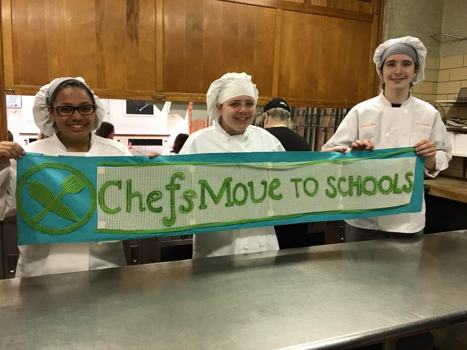 Chefs Move to School